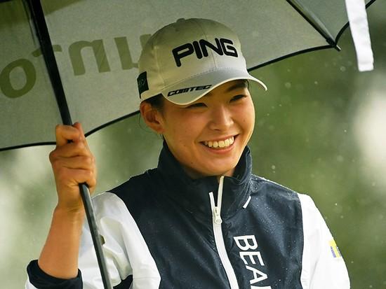青木コーチから「卒業」した渋野日向子が激変。「攻めないゴルフ」も実践