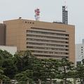 朝日新聞東京本社。3月15日朝刊でツイートについて「おわび」する記事を掲載した
