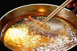 使い分け時代に気をつけたい油の摂り方(写真/アフロ)