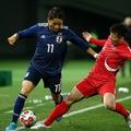 中村が先発で代表デビューを飾った。写真:山崎賢人(サッカーダイジェスト写真部)