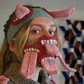 自身が手掛けたマスクを着ける、デザイナーのイル・ヨハンスドッティルさん。アイスランド・レイキャビクのスタジオにて(2020年5月11日撮影)。(c)Jeremie RICHARD / AFP