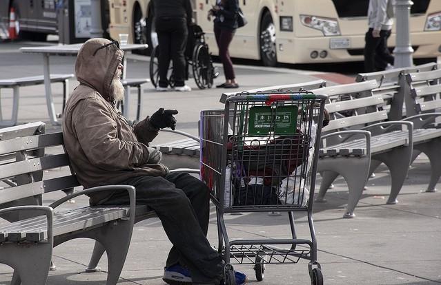 [画像] 12歳と13歳の少年、ホームレスの男性に金を乞うように指示するも拒否され殺害「お菓子を買うために金が必要だった」