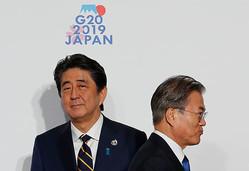 【牧野 愛博】新首相・菅義偉氏が、韓国・文在寅大統領に「強い怒り」を抱いた理由 新政権でも、日韓はすれ違う