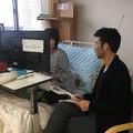 昨年9月、宮下氏は小島さんを取材