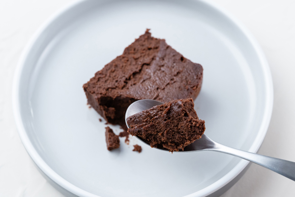 [画像] チョコ好きは絶対にチェックしたい!夏にもおいしく食べられる新食感のガトーショコラが気になります