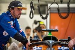 モータースポーツ3冠を目指してインディアナポリス500に出走したものの、予選落ちに終わったマクラーレンのフェルナンド・アロンソ(2019年4月2日撮影)。(c)ANDREJ ISAKOVIC / AFP