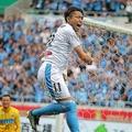 ルヴァンカップ優勝の立役者となった小林。札幌戦では2ゴールの活躍を見せた。写真:田中研治