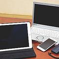 ノートパソコンとタブレット型PC、スマートフォン、携帯電話を場面に合わせてフル活用している。通常のメール処理はスマートフォンで。