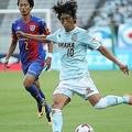 中村は攻撃の要として機能するだけでなく、豊富な経験をチームに伝えた。写真:山崎賢人(サッカーダイジェスト写真部)