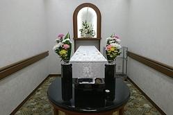 遺体ホテル 多死社会で人気…火葬場減少で順番待ちという現実