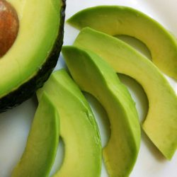 「食べる美容液」とも呼ばれるアボカドは、サラダ以外でも美味しい!