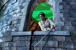 写真はアレクサンドラ・メッツが演じるラプンツェル - 「ワンス・アポン・ア・タイム」シーズン3より  - Jack Rowand / ABC via Getty Images