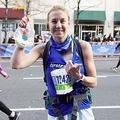 途中で搾乳し、フルマラソンを完走した女性(画像は『Good Morning America 2019年11月4日付「This mom breast pumped during the 2019 New York City Marathon」(Joe Jenkins Photography)』のスクリーンショット)