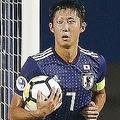 チームキャプテンを橋岡に譲っている伊藤。しかし中盤からの守備があまり機能しておらず、先制点を許す。 写真:佐藤博之