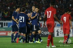 2022年サッカーW杯カタール大会アジア2次予選、ミャンマー対日本。ゴールを喜ぶ日本の選手(2019年9月10日撮影)。(c)Sai Aung Main / AFP