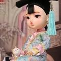 24日、北京・故宮博物院のグッズショップがネット上で発売した人形について「胴体部分が日本製品とそっくりであり、権利侵害ではないか」との疑惑が出ている。写真は微博より。