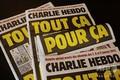 イスラム教の預言者ムハンマドの風刺画を再掲載した、9月2日付のシャルリー・エブド紙の1面。フランス・パリで(2020年9月1日撮影)。(c)AFP