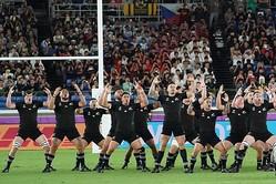 ハカを披露したニュージーランド代表「オールブラックス」【写真:荒川祐史】
