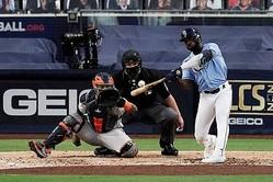 MLB 優勝決定S】レイズがズニーノの中前適時打で5回を終え2-1でリード ...