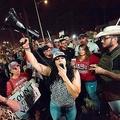 選挙の不正を訴えるトランプ支持者たち(写真/AFP=時事)