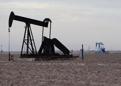 原油先物は軟調、貿易摩擦への警戒感が重し