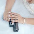 夫殺害の容疑で告訴された米作家 以前に「夫を殺害する方法」を執筆