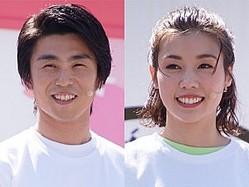 (左から)中尾明慶、仲里依紗