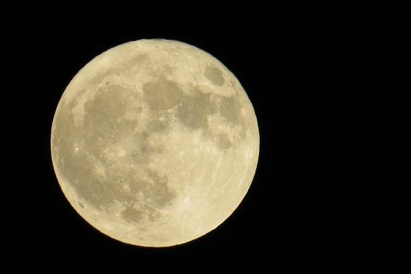 2018年11月23日の月 藤原道長が「望月の歌」を詠んでから1000年目の満月 - ライブドアニュース