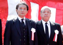 *相容れない関係、貴乃花親方(左)と八角信芳理事長(写真=アフロ)