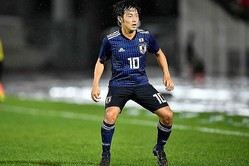 W杯二次予選で日本のファーストゴールを決めた中島。圧巻の一撃だった。 写真:金子拓弥(サッカーダイジェスト写真部)