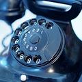 インターネットとSNSが普及 連絡手段として電話の在り方が変化