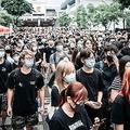 条例案が撤回されても抗議行動がやむ気配はない(dpa/時事通信フォト)