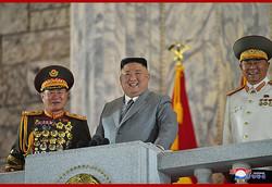 朝鮮労働党創建75周年記念閲兵式に参加した金正恩氏(2020年10月10日付朝鮮中央通信より)
