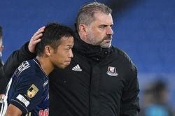 監督退任に「みんなで力を合わせて必ず上に行こう」とチームを鼓舞した喜田。写真:徳原隆元
