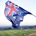 オーストラリアの国旗を振るファン(2010年6月8日撮影、資料写真)。(c)STAN HONDA / AFP