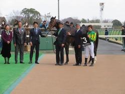 フリージア賞は石橋騎乗の�2億円ホース�サトノフウジンが2勝目を挙げる