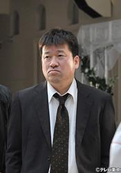 城南第一署の刑事・丸山昭雄役の佐藤二朗