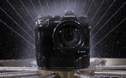オリンパス、小型・軽量、OM-Dシステムのプロフェッショナルモデルミラーレス一眼カメラ「OLYMPUS OM-D E-M1X」を発売