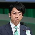 「ごみで国産スニーカー」小泉進次郎氏の発言にネット上で批判