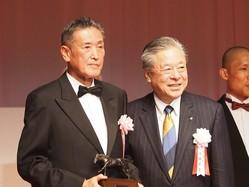【JRA賞】年度代表馬リスグラシュー配合相手はズバリ…