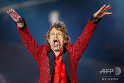 米インディアナ州インディアナポリスで公演を行う「ザ・ローリング・ストーンズ」のミック・ジャガー(2015年7月3日撮影)。(c)Michael Hickey / GETTY IMAGES NORTH AMERICA / AFP