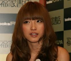 木下優樹菜の騒動が「飛び火」SNSにコメントの鈴木紗理奈にも非難