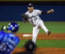 9度目の開幕投手を務める石川。40歳のベテラン左腕がチームを白星発進させる。写真は2017年の開幕戦