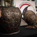 仏ルーブル美術館に返還された甲冑(かっちゅう、2021年3月3日撮影)。(c)Thomas SAMSON / AFP