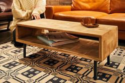 アクメ ファニチャーのコーヒーテーブルは、むしろテレビ台として使いたい…
