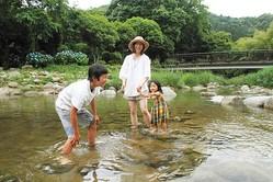 「中ノ島公園」は天然の小川だから水がきれい
