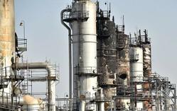 大きく損傷したサウジアラビア・アブカイクの石油処理施設(2019年9月20日撮影)。(c)Fayez Nureldine / AFP