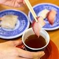 くら寿司のサイドメニューを使った裏技 絶品「出汁寿司」に