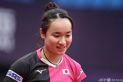 卓球女子ワールドカップ、シングルスの試合を控えて練習に臨む伊藤美誠(2020年11月7日撮影)。(c)ITTF / AFP
