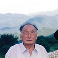 帰国後の父・善治氏と母。日本政府は冷淡だった